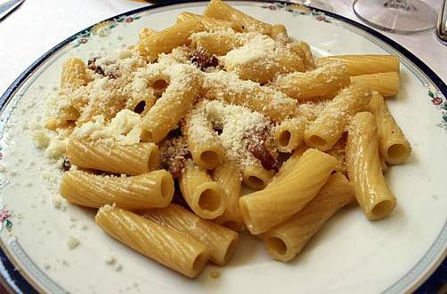 Rigatoni-alla-carbon small